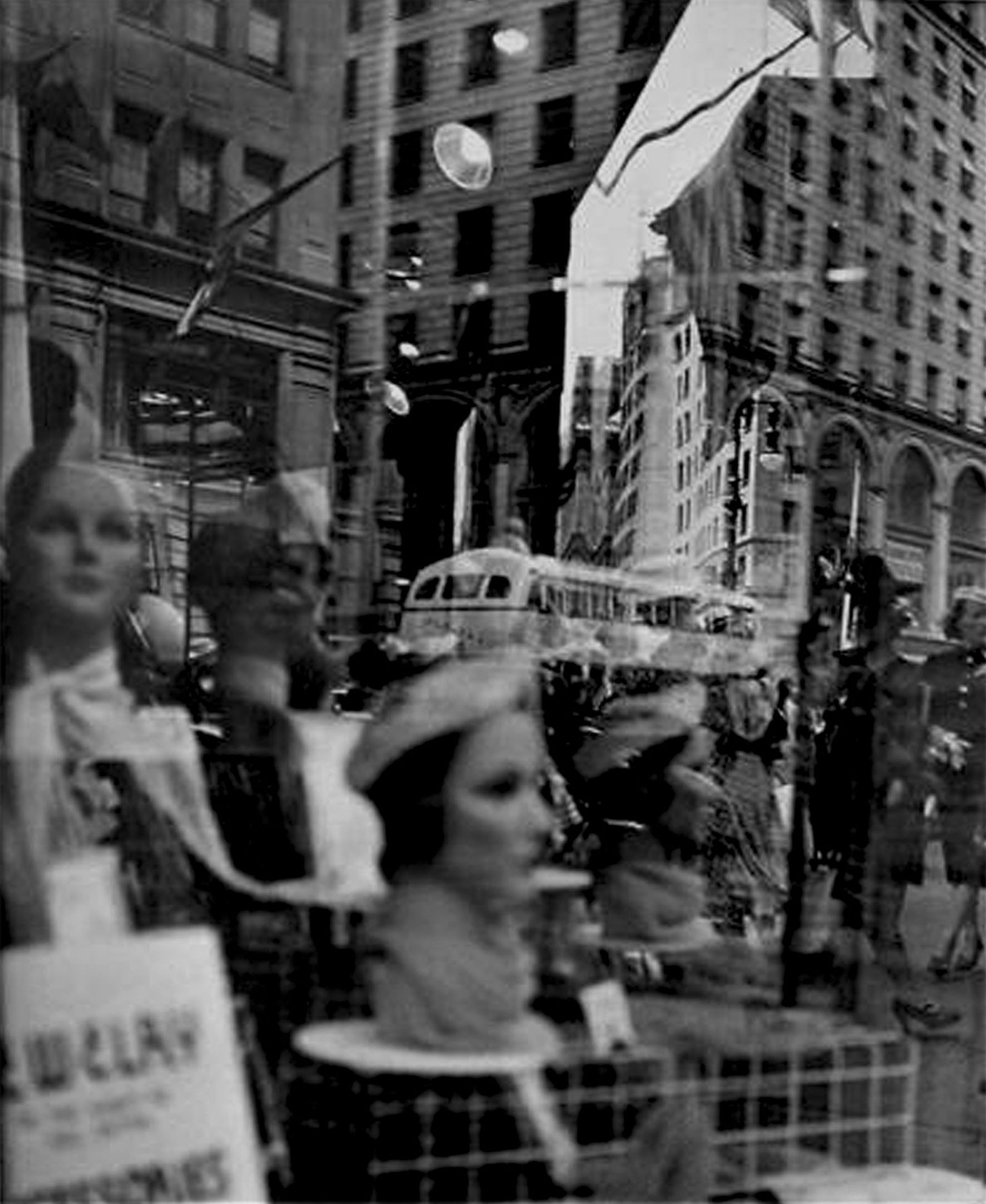Lisette Model - 6_reflections_newyork_visage