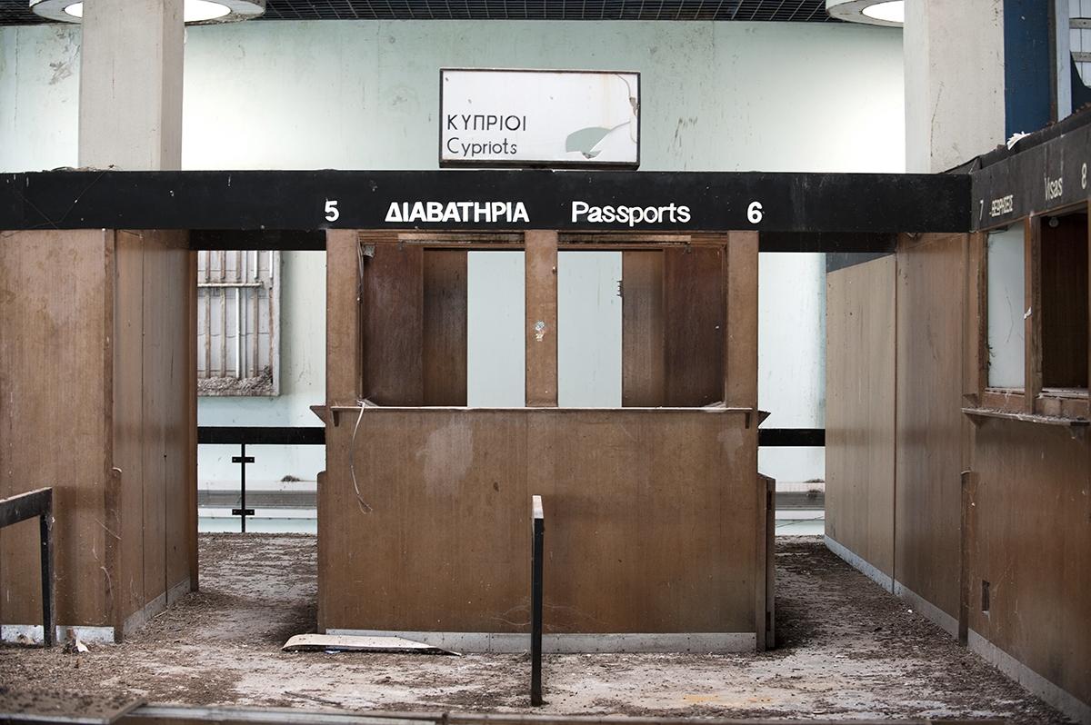 Cyprus, ONU area, Aeroporto civile di Nicosia, abbandonato il 18.08.1974 durante gli scontri.Si trova dentro l'area dell'ONU