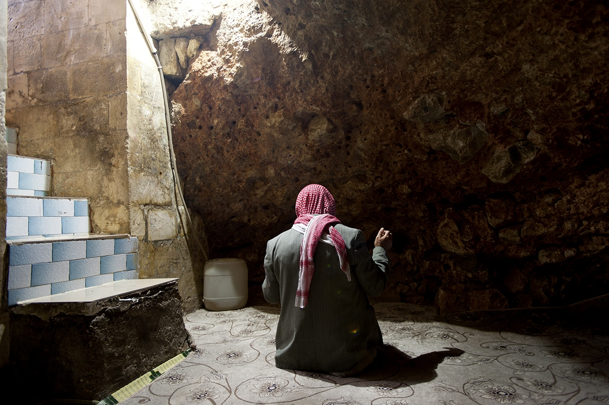 Turkey, Sanliurfa. Cave of the prophet Job, revered by the 3 main monotheistic religions (Christianity, Islam and Judaism).